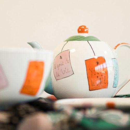 théière en porcelaine peinte à la main, messages personnalisables