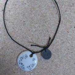 porcelaine-bracelet-rond-message-noir