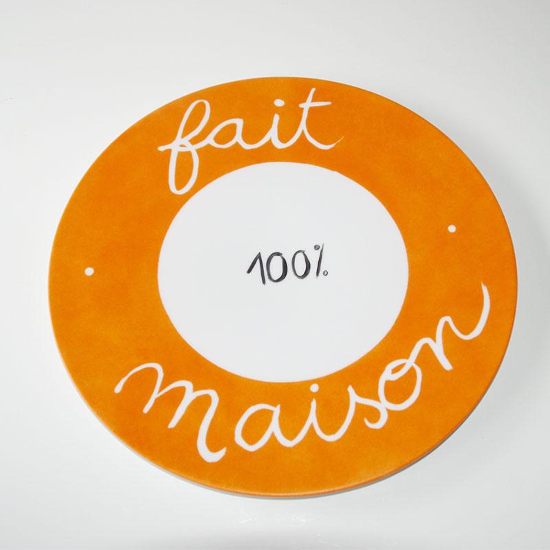 plat à tarte, fait maison peint en mandarine à l'atelier les créations d'Isa