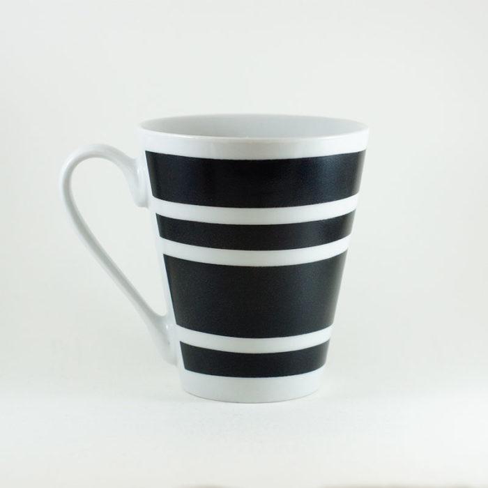 mug en porcelaine rayé collection Black and White