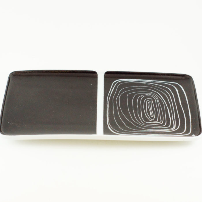 plat ou plateau en porcelaine collection black and white