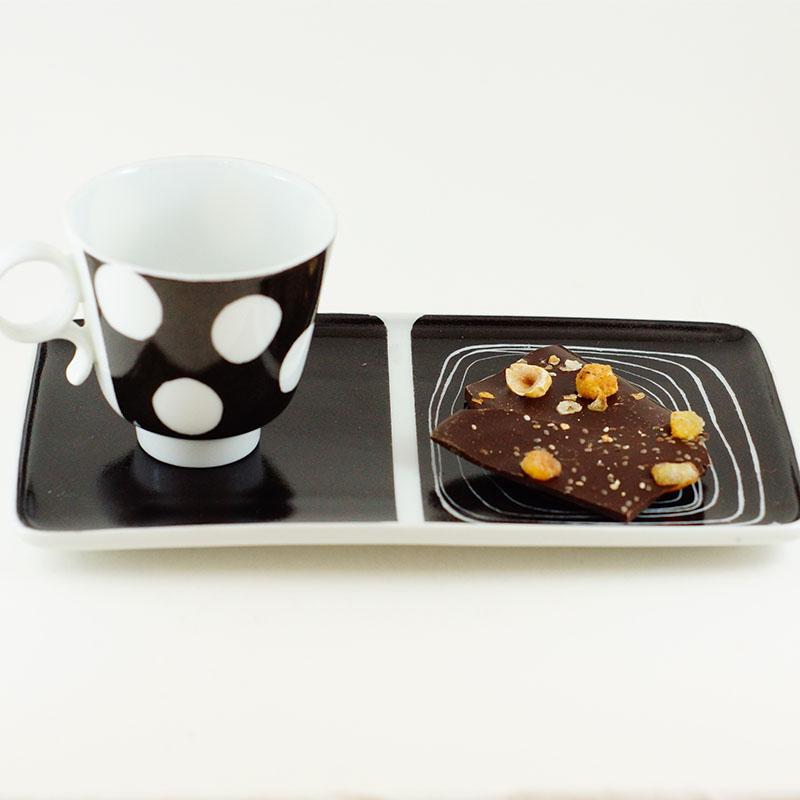 plateau et tasse en porcelaine peinte à la main