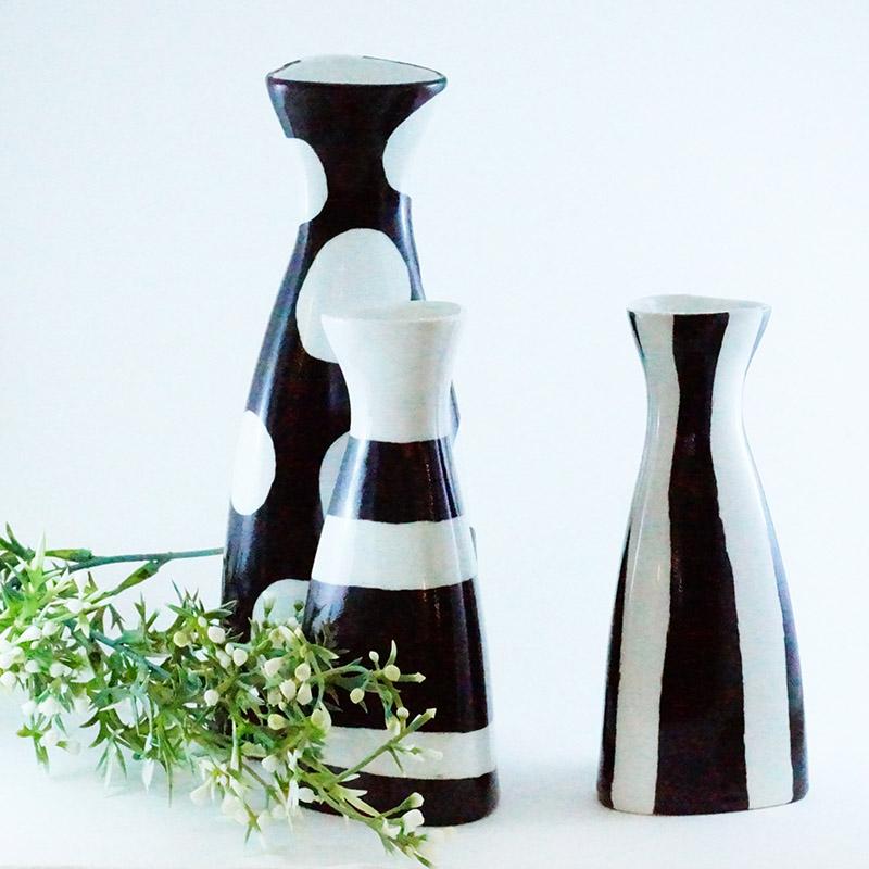 Trio de vases en porcelaine peint à la main, collection Black and White